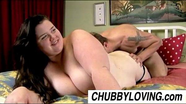 Big beautiful brunette BBW Linda loves to eat cum